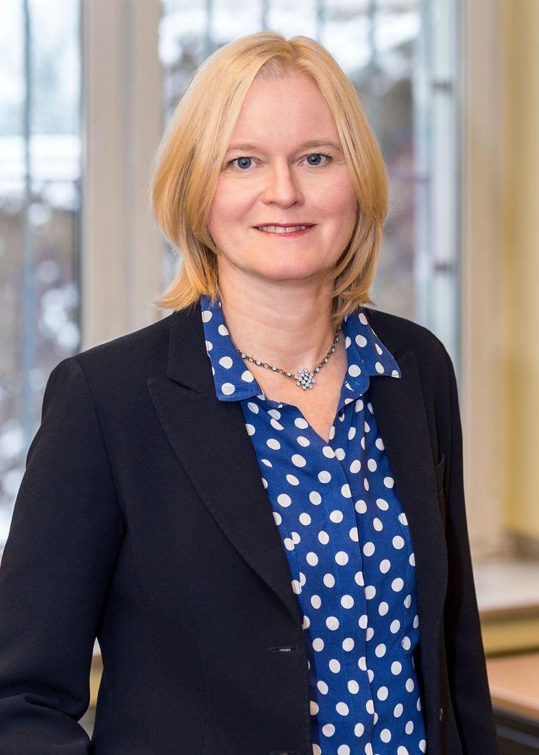 Dr. Katja Stahl