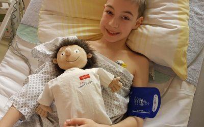 """Mut-mach-Paket mit """"Erwin"""" begleitet auch größere Kinder ins Krankenhaus"""